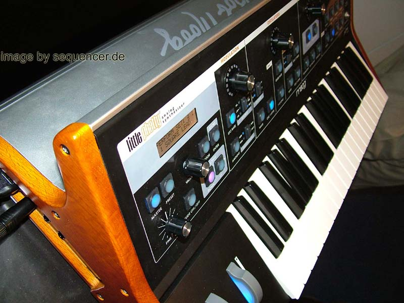 moog little phatty synthesizer