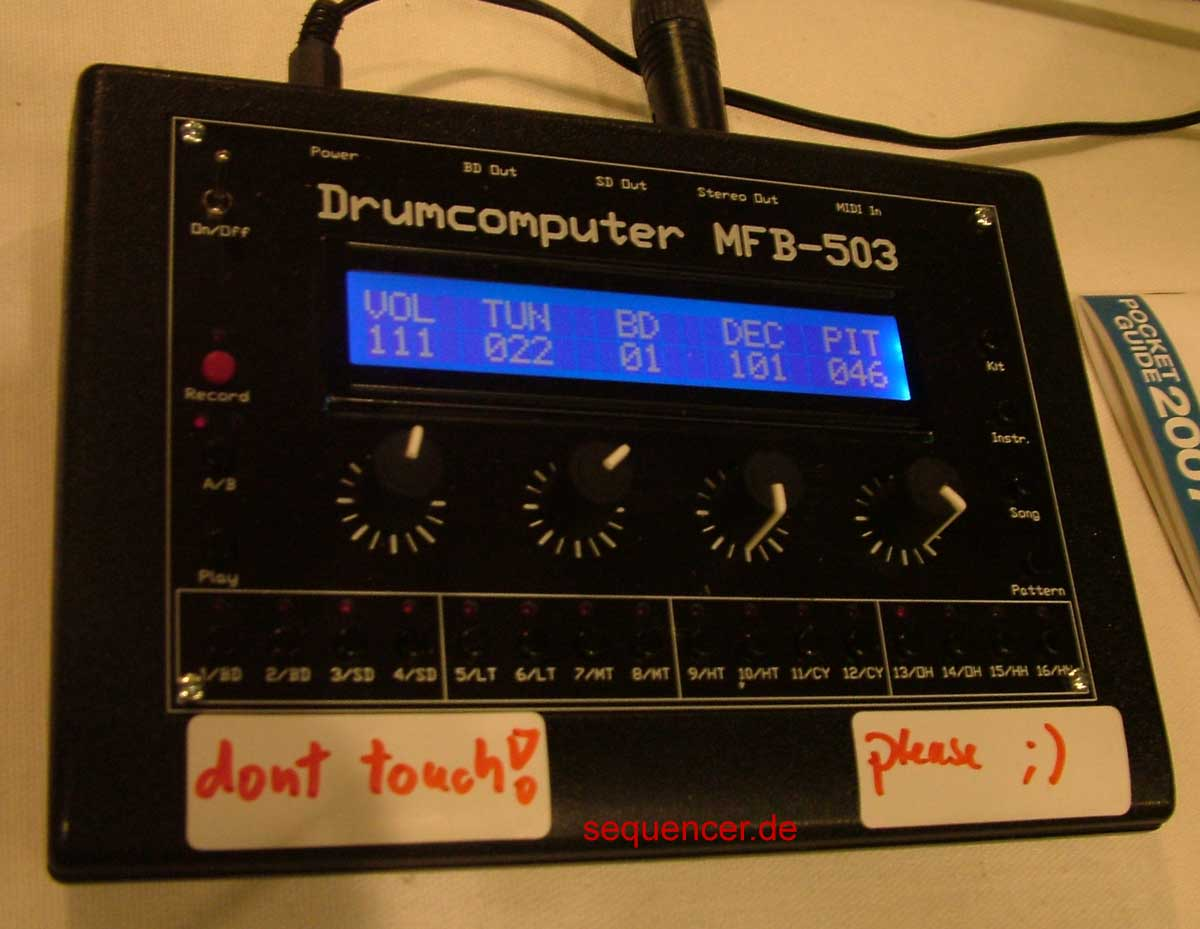 MFB MFB503 synthesizer