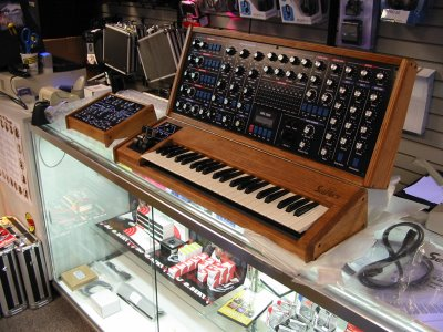 sms 2000 synthesizer