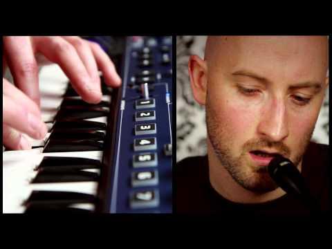 Novation // MiniNova synthesizer: Vocoder and VocalTune™