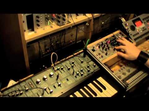 Make Noise Pressure Points vs Roland System 100 Demo1