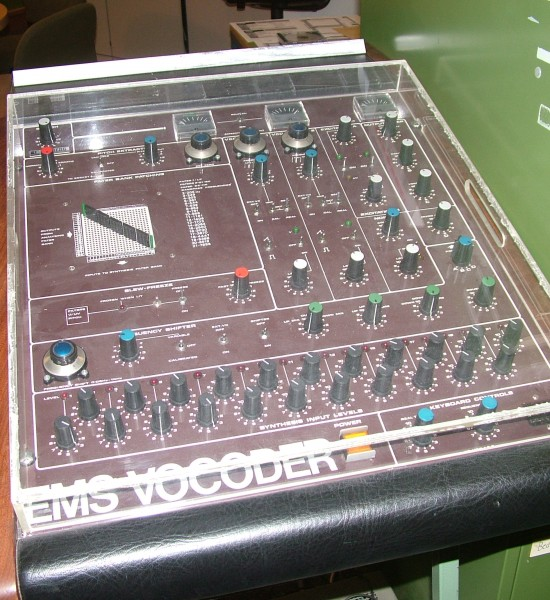 studio-elektro-musik-koeln370-550x600.jpg