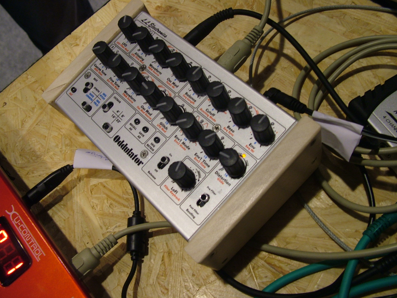 LL RozzboxOddulator synthesizer
