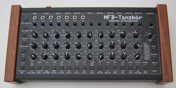 MFB Tanzbär Drummachine