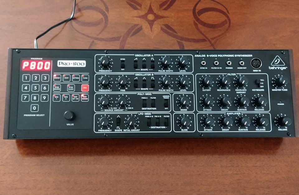 Behringer-Pro-800