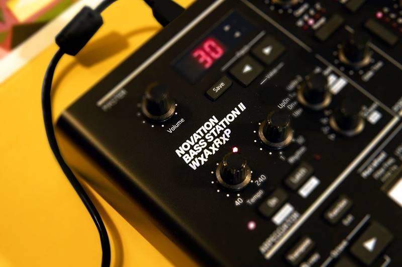 Novation BassStation 2 Warp