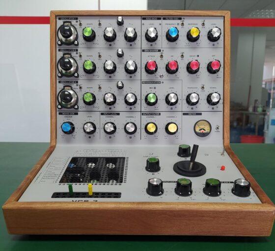 Behringer VCS3