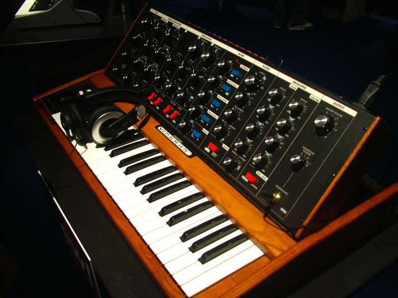 Moog Minimoog Voyager OS, Old School synthesizer
