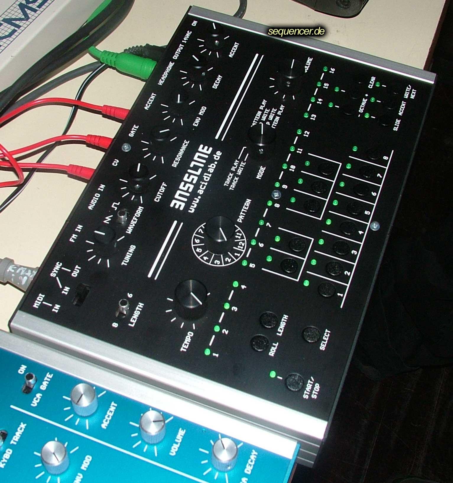 Acidlab Bassline 2, Bassline Mk 2 synthesizer