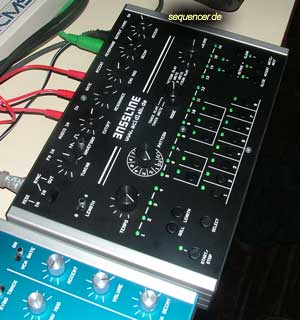 Acidlab Bassline2, BasslineMk2 synthesizer