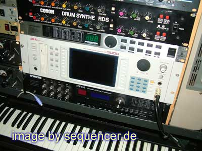 Akai S5000, S6000 synthesizer