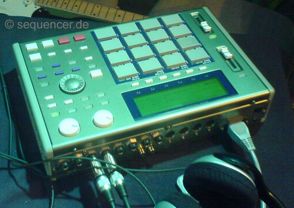 Akai MPC 1000 MPC 1000 synthesizer