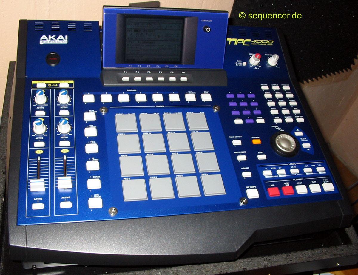 Akai MPC4000 synthesizer
