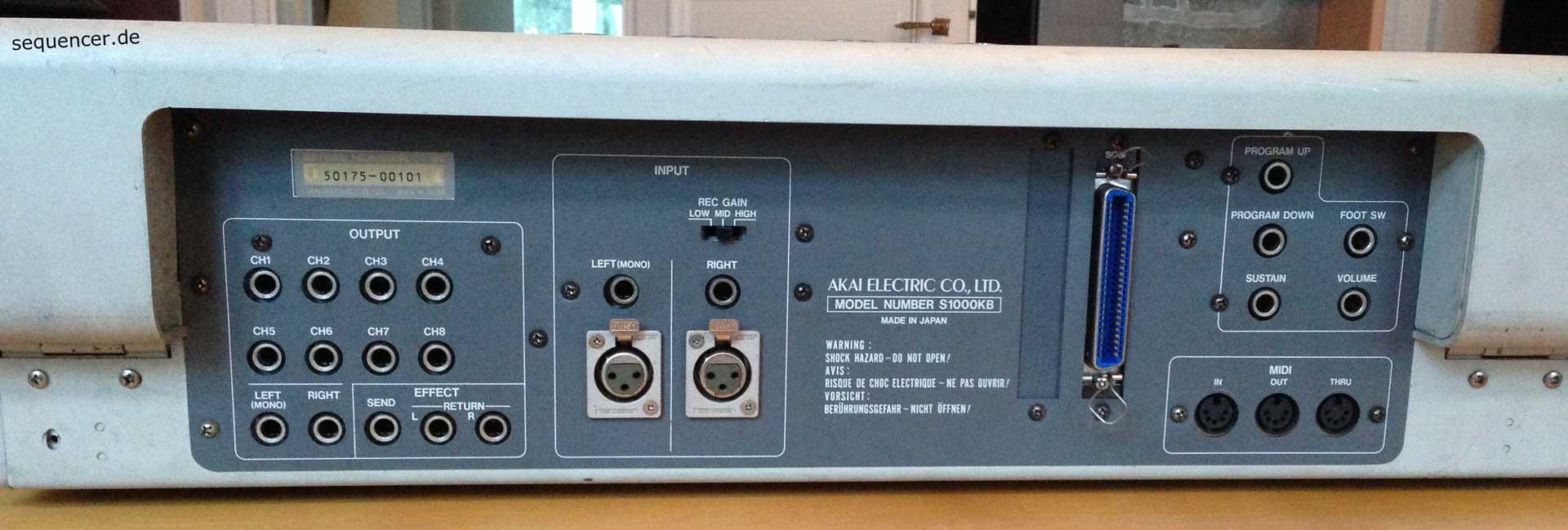 Akai S-1000KB Akai S-1000KB synthesizer
