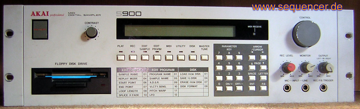 Akai S900, S950 synthesizer