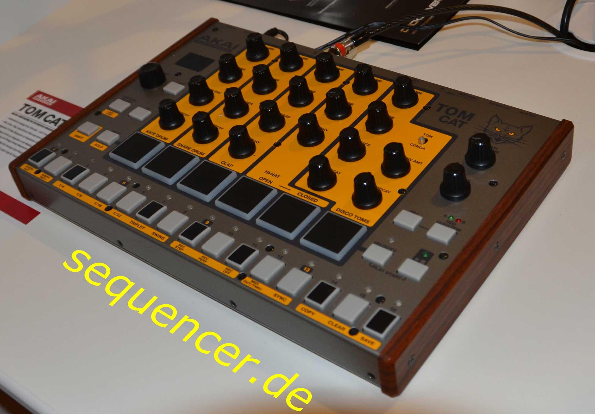 Akai Tomcat synthesizer
