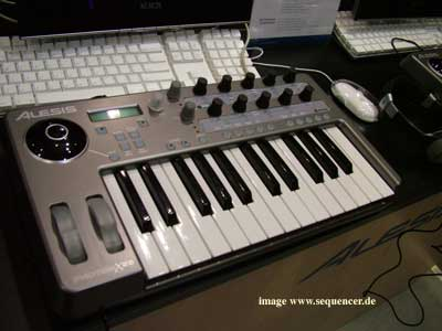 Alesis X25 Remote Midi Keyboard Controller
