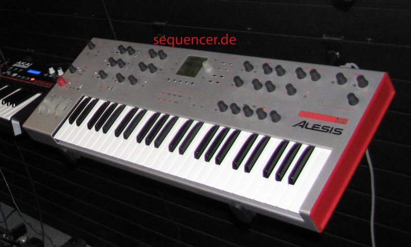 Alesis Ion Alesis Ion full view synthesizer