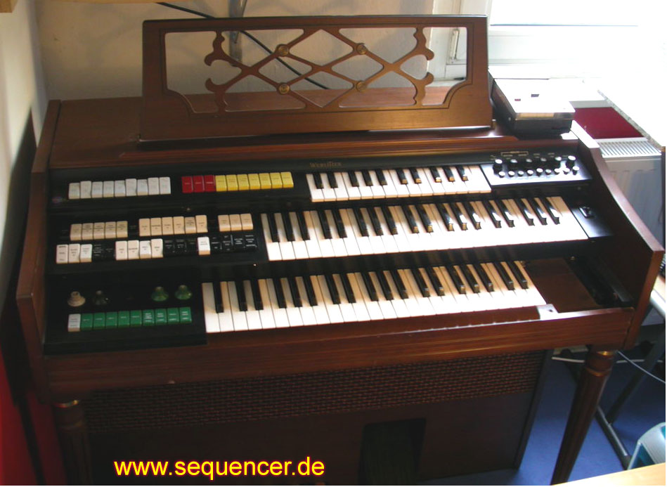 Wurlitzer Orbit 3 synthesizer