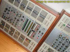 2500 2500 synthesizer