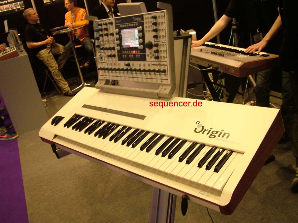 Arturia Origin synthesizer