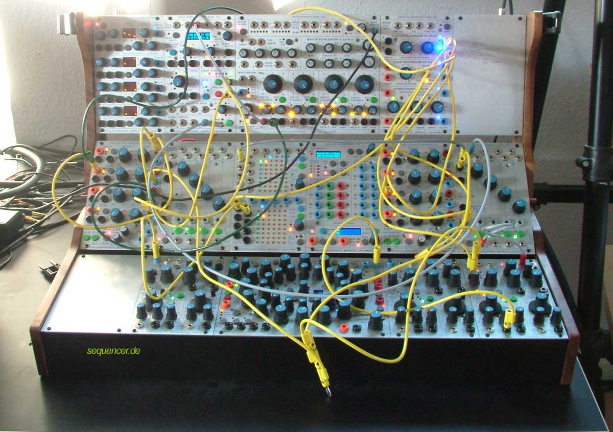 buchla 200e modular synthesizer step sequencer