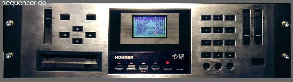 Hohner HS1, Hs 1e synthesizer