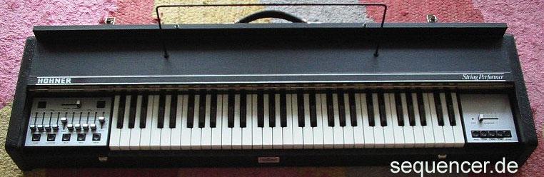 Hohner StringPerformer synthesizer