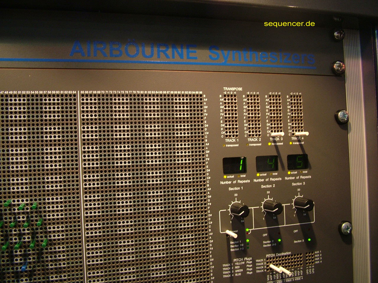 Airbourne AVS-04 / Martin Hollinger Airböurne AVS04 Synthesizer synthesizer