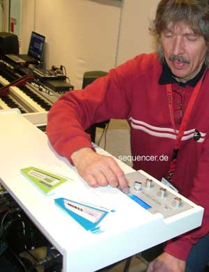 Manikin Memotron synthesizer