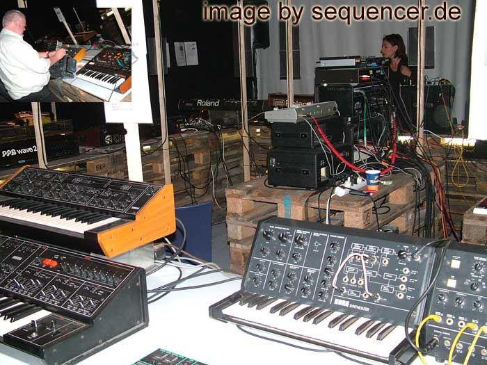 synthesizer + sequencer