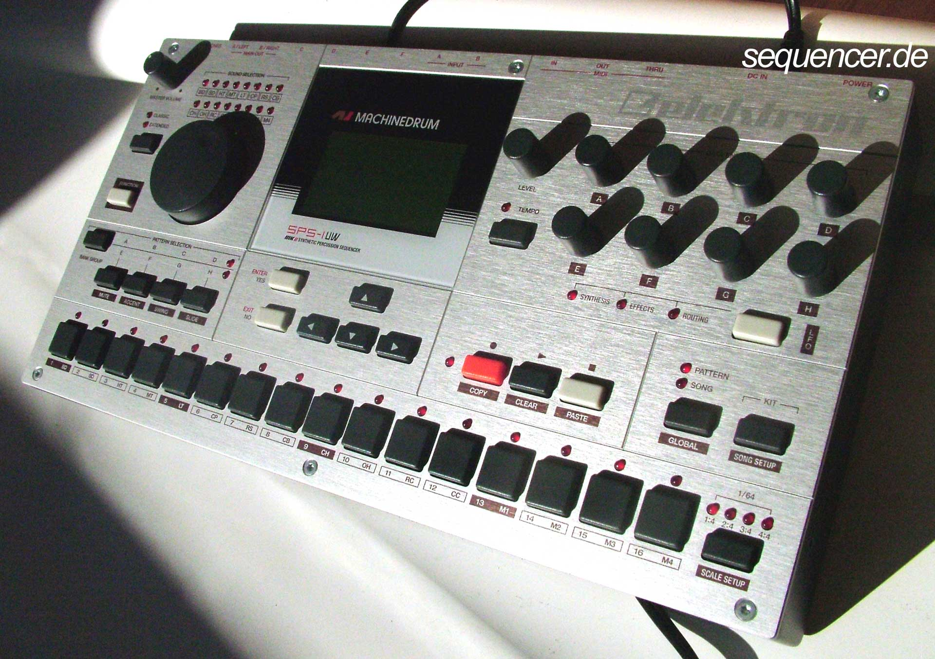 Elektron Machinedrum Mk II, SPS1UWMark II synthesizer