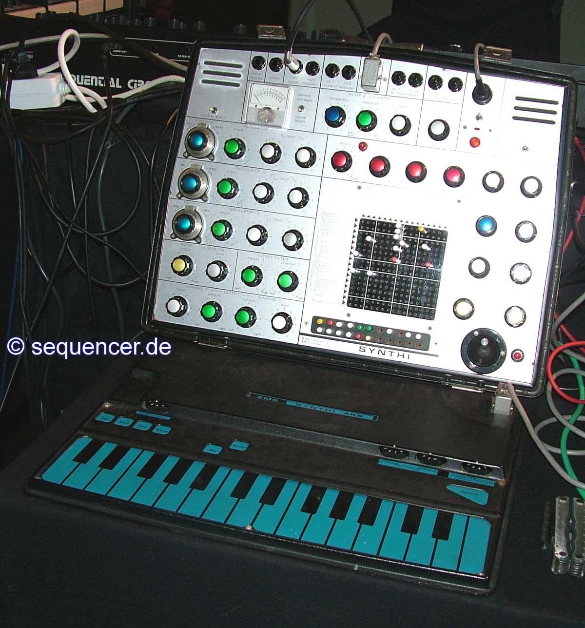 EMS Synthi A, AKS synthesizer