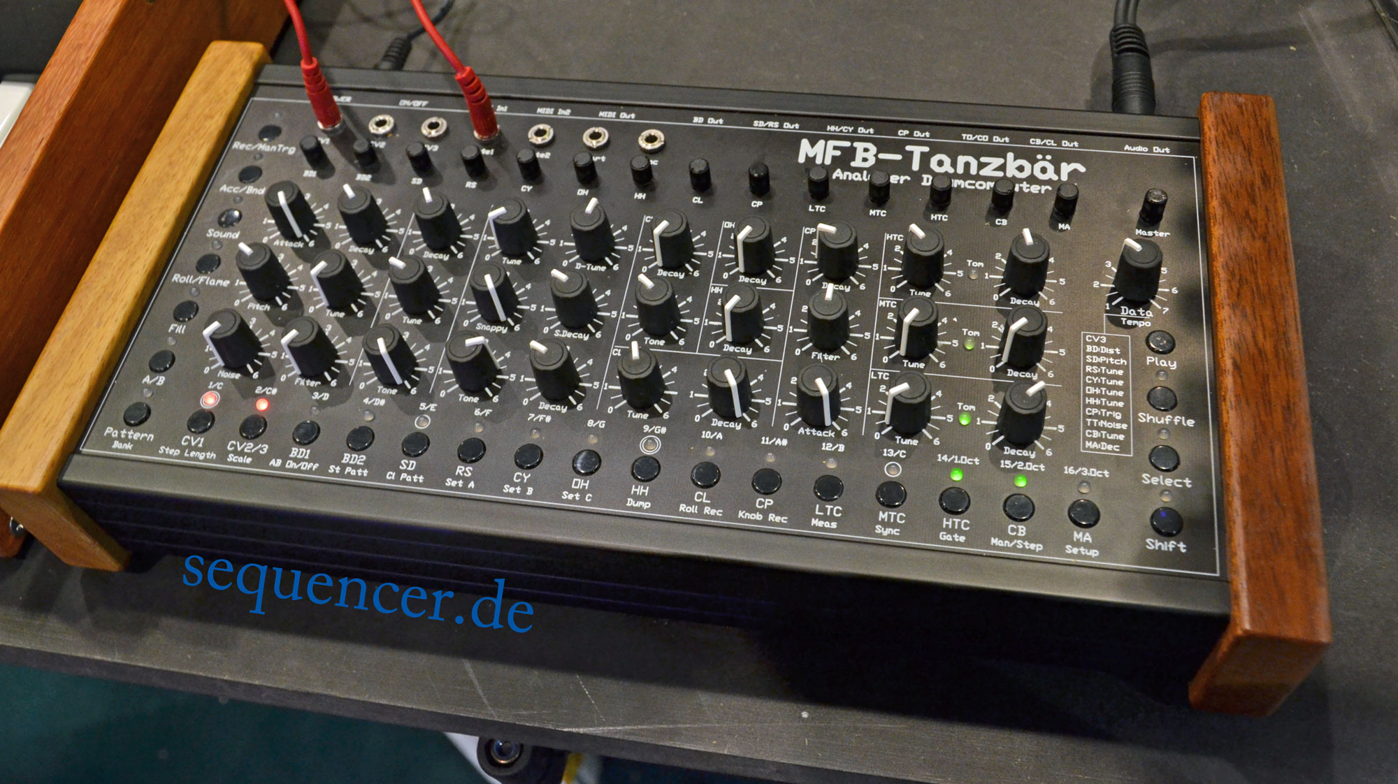 MFB Tanzbaer synthesizer