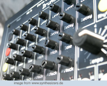 mfb 502 drumcomputer