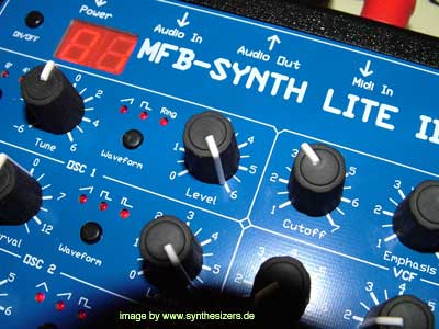 MFB lite 2 synth lite 2 synthesizer