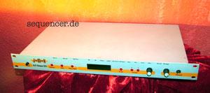JoMoX Airbase01, Jazbase03 synthesizer
