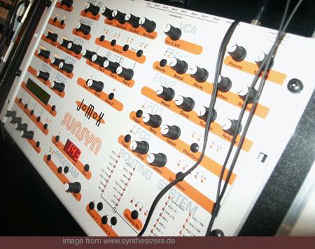 JoMoX Sunsyn synthesizer