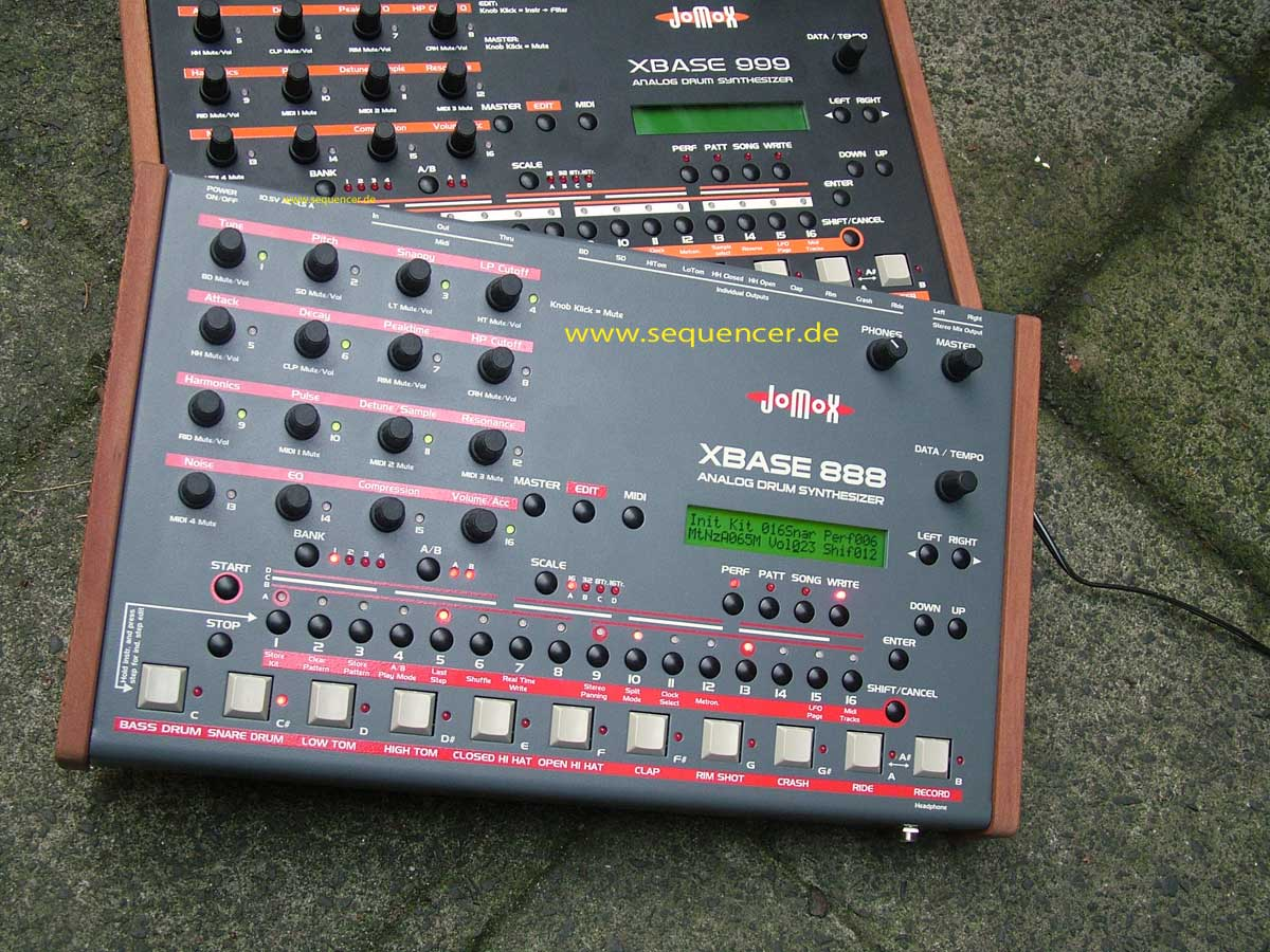 JoMoX XBase 888 synthesizer
