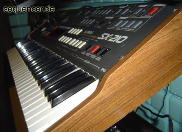 Teisco SX210 synthesizer