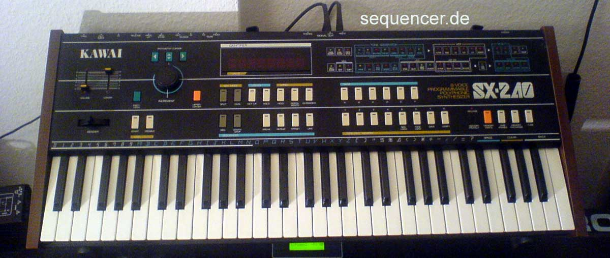 Teisco SX240 synthesizer