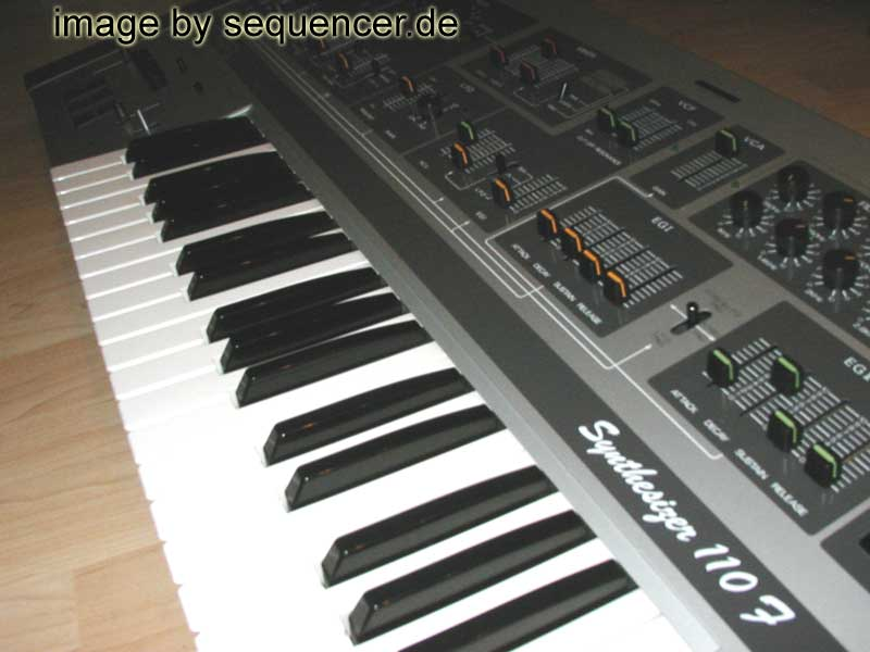 Teisco 110F synthesizer