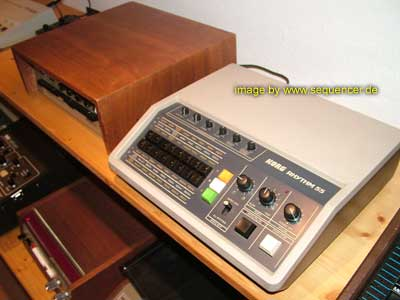 korg kr55 drum computer