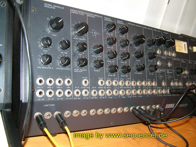 Korg MS50 synthesizer