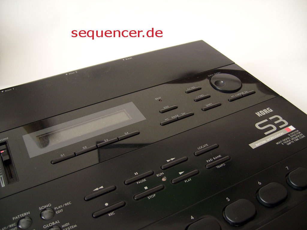 Korg S3 M1-Look The Korg S3 synthesizer