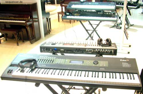 Kurzweil K2661 synthesizer