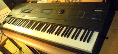 Kurzweil K2500, K2600 synthesizer
