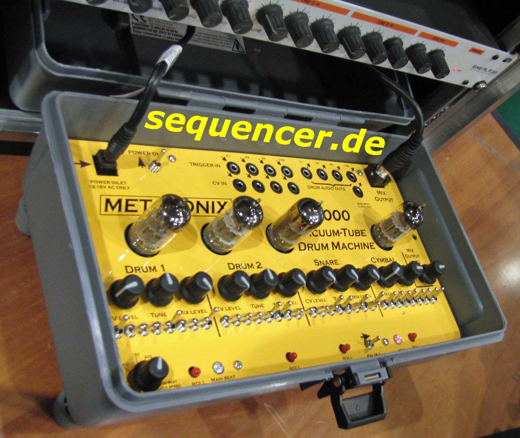 metasonix d1000 vacuum tube drum machine drummachine module step sequencer. Black Bedroom Furniture Sets. Home Design Ideas
