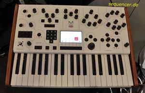 Modal 001 synthesizer