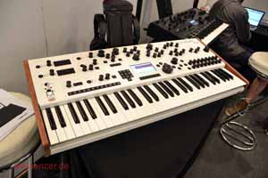 Modal 002 synthesizer